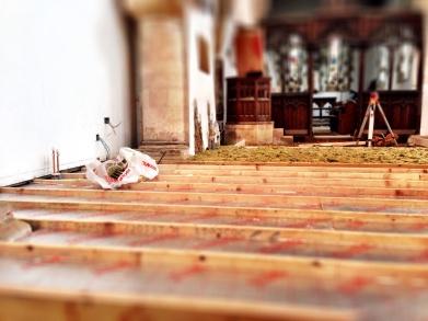 Felt insulation below the pulpit.