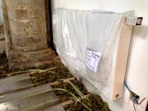 Wall radiator and underfloor heating